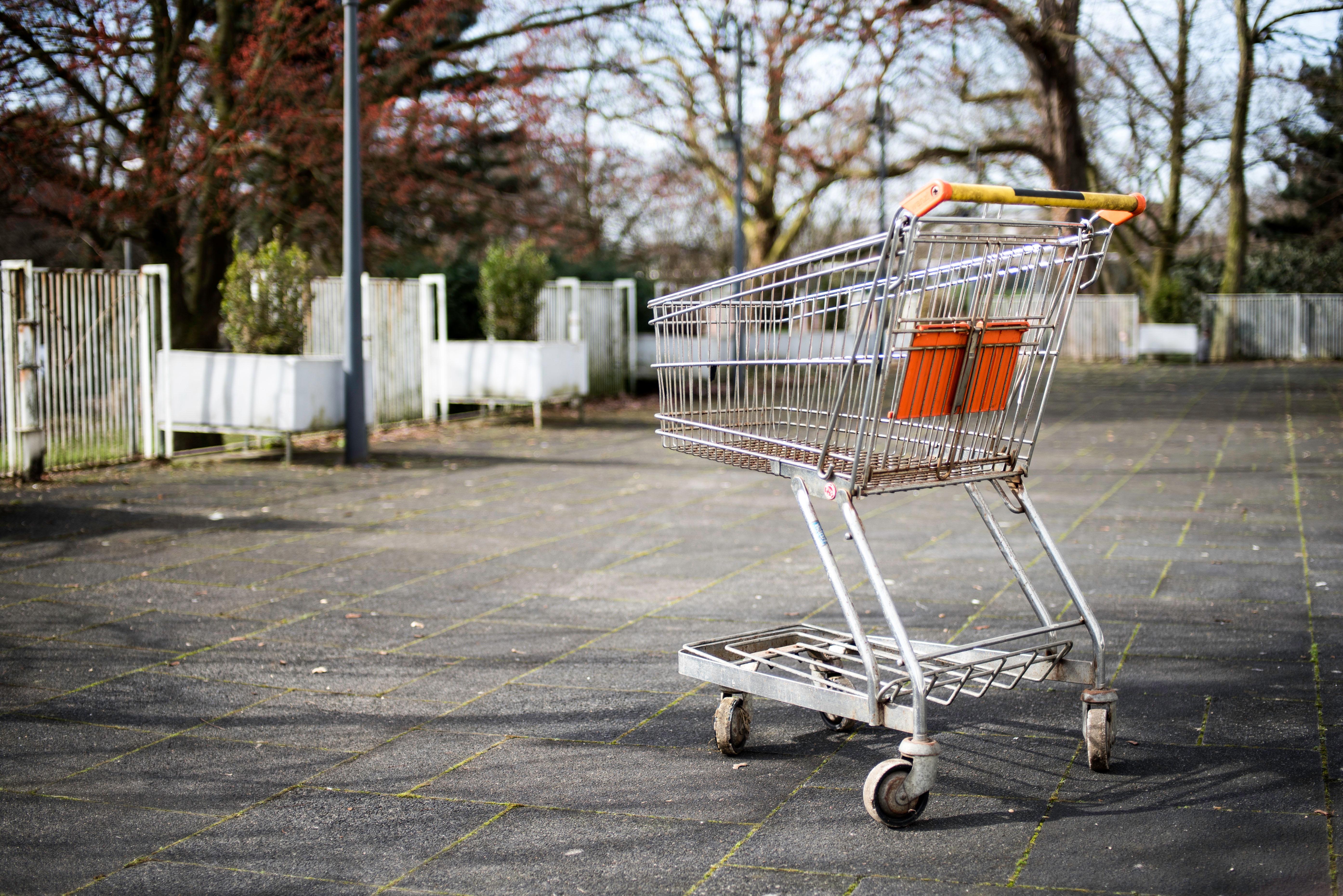Osem načinov za zmanjšanje stopnje zapuščenih spletnih nakupovalnih košaric